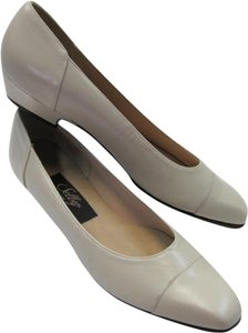 Selby Size 8.50 Narrow BEIGE Pumps