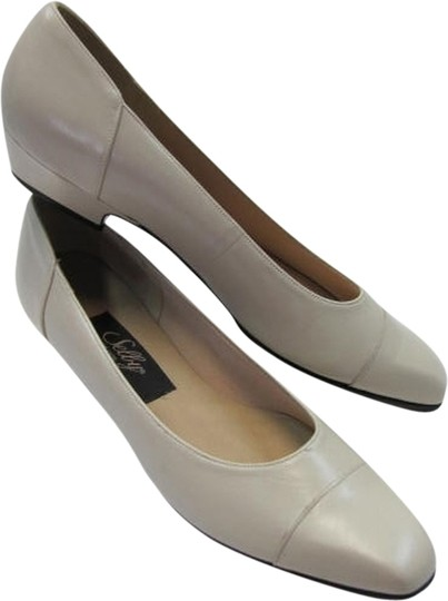 Selby Size 8.50 Narrow Good Condition BEIGE Pumps