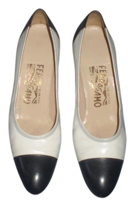 Item - Blue & White And Leather Aa Pumps Size US 6.5 Narrow (Aa, N)