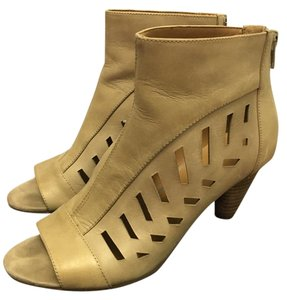 Nine West Open Toe beige Boots