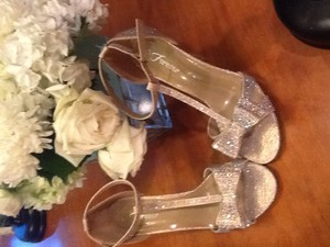 Forever 21 Forever 21 Sparkly Bow Shoes Wedding Shoes