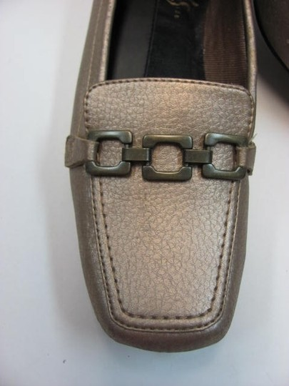 LifeStride 7.00 M Good Condition METALLIC BEIGE Flats Image 1