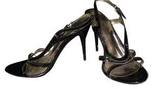 Carlos by Carlos Santana Black Pumps