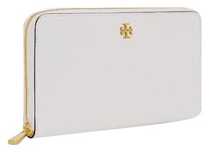Tory Burch Wristlet in New Ivory