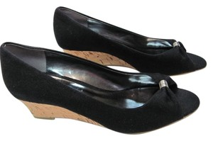 Etienne Aigner Size 7.5 Medium BLACK, TAN Wedges