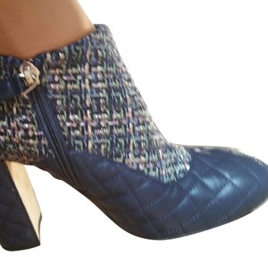 Chanel Navy blue and tweed Boots