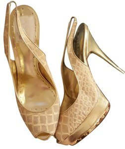 BCBGeneration Pony Hair Gold Textures Gold/Cream Platforms