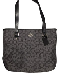 Coach Purse Trendy Tote in black