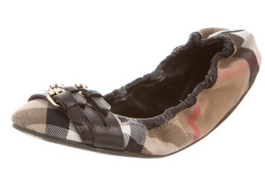 Burberry Nova Check Round Toe Gold Hardware Plaid House Check Black, Beige Flats