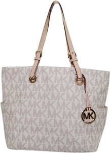 Michael Kors Jet Set Tote in White