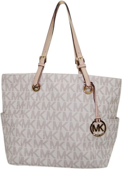 Michael Kors Jet Set Tote in Vanilla Monogram