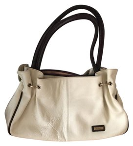 Rioni Tote in Virtue