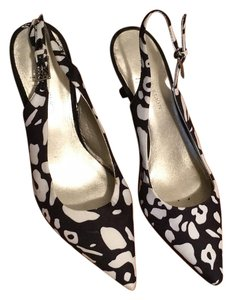 AK Anne Klein & Slingback Low Heal Black & white Pumps