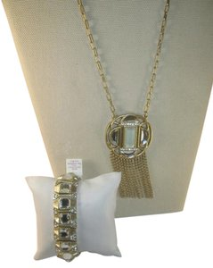 Lia Sophia New Lia Sophia set, gorgeous necklace, w/ stretch crystal bracelet