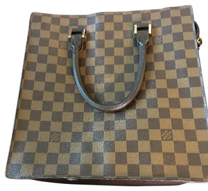 Louis Vuitton Tote in Black/Brown