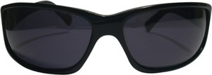 Guess Guess 6074 Metropolitan BLK-3 Sunglasses & Large Clamshell Case