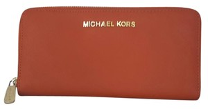 Michael Kors Michael kors Jet Set Travel Wallet