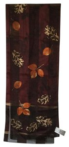 First 1 issue Leaves motif print rectangle scarf