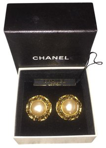 Chanel Vintage Pearl Earrings