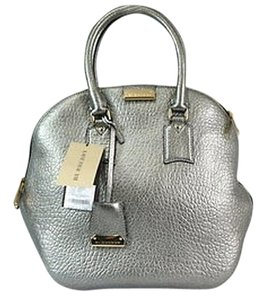 65202c3e44a8 Burberry Bags and Purses on Sale - Up to 70% off at Tradesy