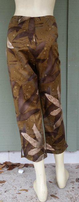 Ron Leal Cropped Brown Capris Olive