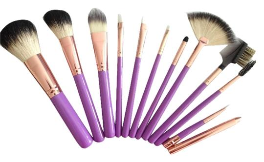 Preload https://item3.tradesy.com/images/11-piece-professional-make-up-brush-set-1977187-0-0.jpg?width=440&height=440