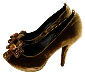 Lerre Olive Green/Yellow Pumps