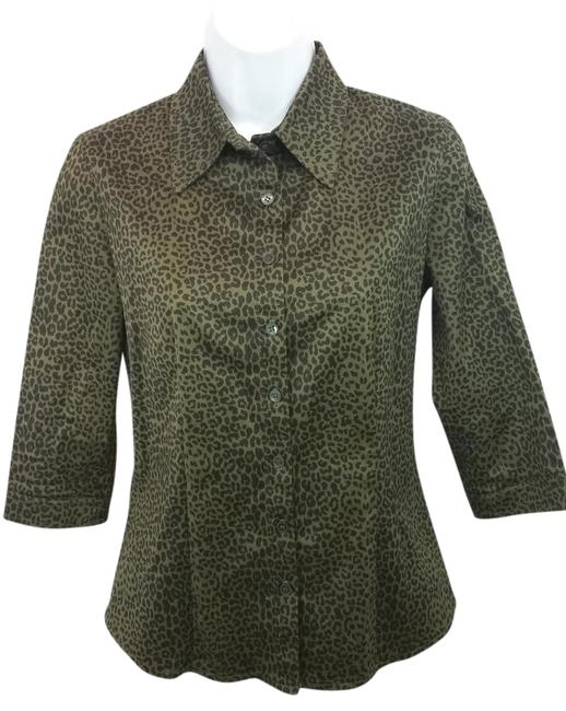 Item - Animal Print Stretchy Blouse S Button-down Top Size 6 (S)
