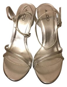 ALDO Clear/sliver Wedges