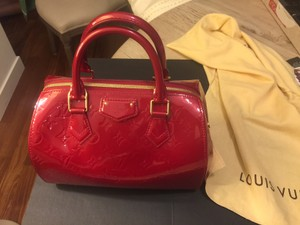 Louis Vuitton Vernis Satchel in Red- Pomme Damour