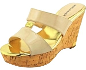 Marc Fisher Light Tan Wedges
