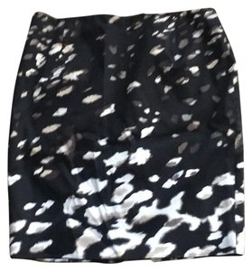Tahari Skirt Black, beige and white