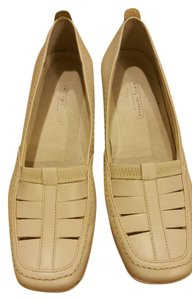 Easy Spirit white Flats