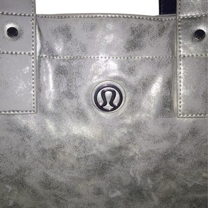 Lululemon Tote in Metallic Silver