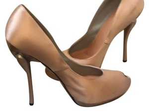 Georgina Goodman Champange Pumps