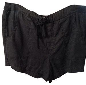 Vince Cuffed Shorts Black