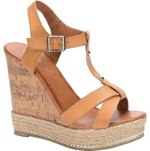 Nature Breeze Tan Wedges