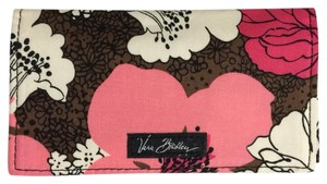 Vera Bradley Checkbook Cover in Mocha Rouge