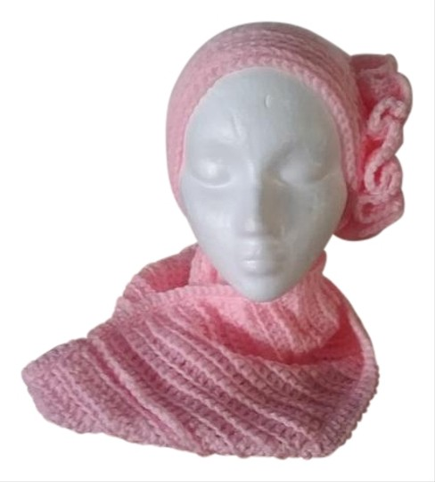 Preload https://img-static.tradesy.com/item/19785500/pink-new-one-of-a-kind-never-used-and-infinity-neck-warmer-set-hat-0-1-540-540.jpg