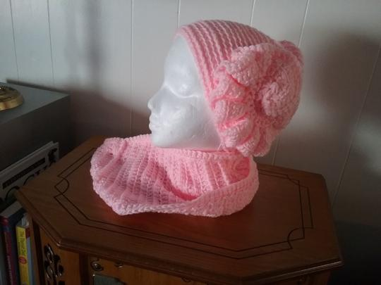 Crocheted by me New, one of a kind, never used, hat and infinity neck-warmer set Image 1