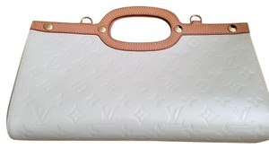 Louis Vuitton Roxbury Pearl White Clutch