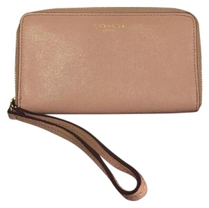 Coach Wristlet in Light Pink