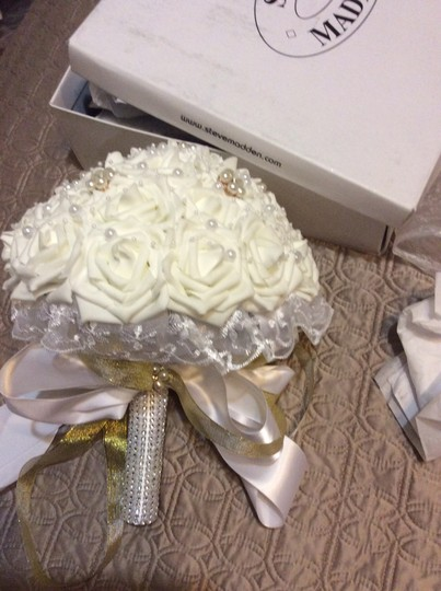 White Ivory Roses with Pearls and Lace Collar
