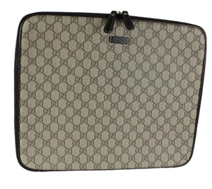 "Gucci GUCCI GG Coated Canvas Laptop Case 15"" Size Medium Zip Around 201750"