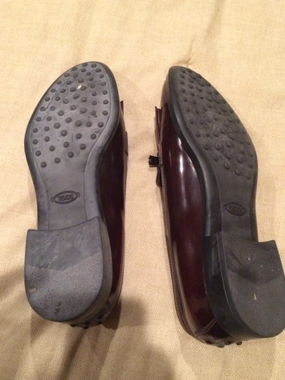 Tod's Cranberry Brown Flats
