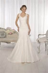 Essense Of Australia D1616 Wedding Dress