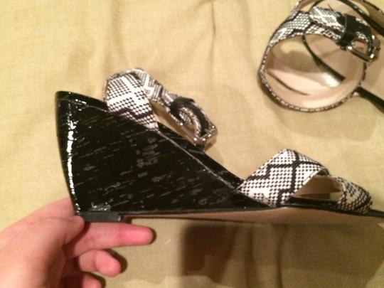Karen Millen Black and White Wedges