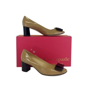 Kate Spade Tan Black Patent Leather Bow Pumps