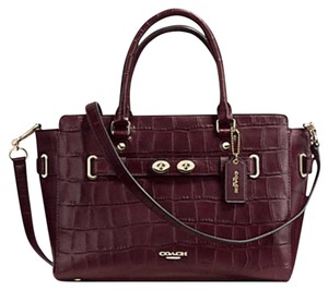 Coach Satchel in Burgundy oxblood
