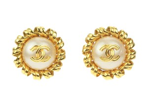 Chanel Vintage Gold Faux Pearl CC Clip On Earrings